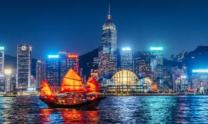 travel menyenangkan hong kong